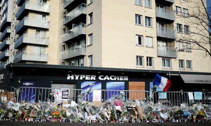 Atacatorul de la magazinul evreiesc din Paris - Hyper Cacher (ianuarie 2015) a cumparat arme in baza unui credit obtinut cu acte false