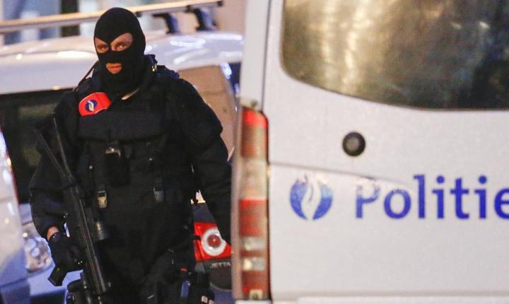 Membru al forţelor speciale belgiene, la Bruxelles (Foto: Reuters/Yves Herman)
