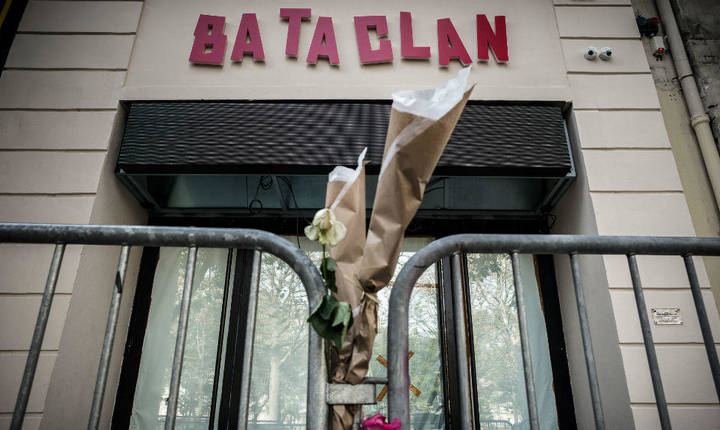 Atentatul din 13 noiembrie 2015 de la sala pariziana de concerte Bataclan s-a soldat cu 90 de morti si numerosi raniti.