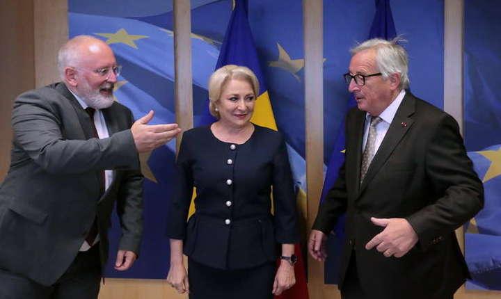 Frans Timmermans, Viorica Dăncilă şi Jean-Claude Juncker (Foto: gov.ro)