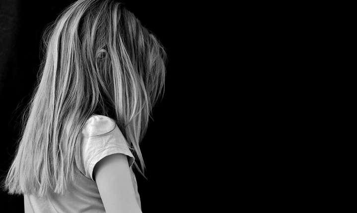 Din ce în ce mai multe cazuri de agresiuni sexuale la adresa minorilor, raportate după crimele din Caracal (Sursa foto: pixabay)