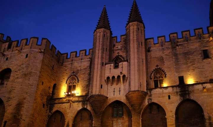 Avignon, Palatul Papilor