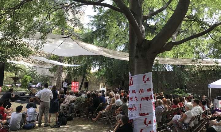 Lecturile organizate de RFI în gradina de pe Rue de Mons la Avignon