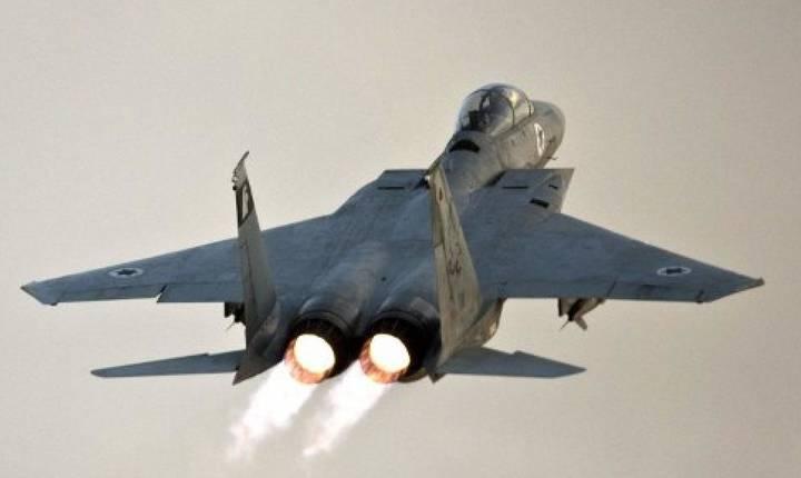 Avion de luptà de tip F-15 al aviatiei israeliene