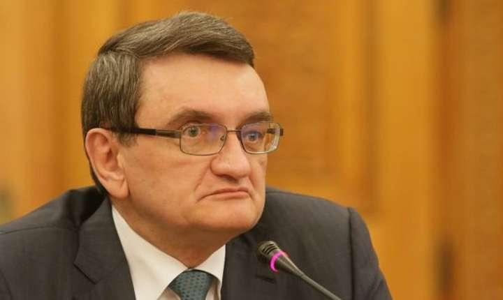 Victor Ciorbea ezită să sesizeze CCR asupra OUG privind justiţia