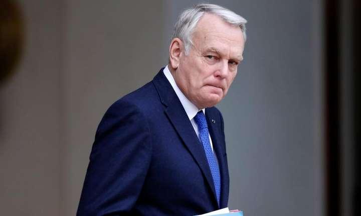 Jean-Marc Ayrault, ministrul francez de externe, e însotit în voiajul sàu în India de o delegatie de 80 de oameni de afaceri