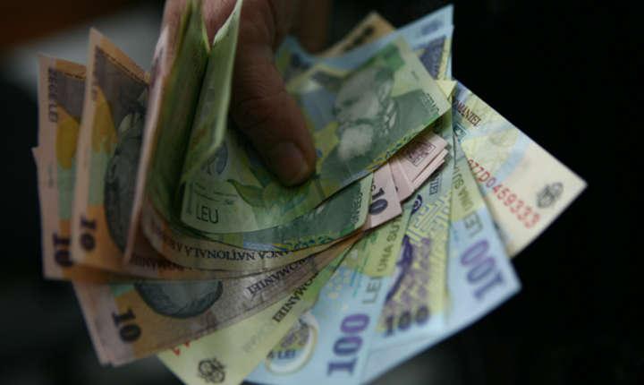 Bugetarii primesc salarii majorate cu doar 25% de la 1 ianuarie 2018
