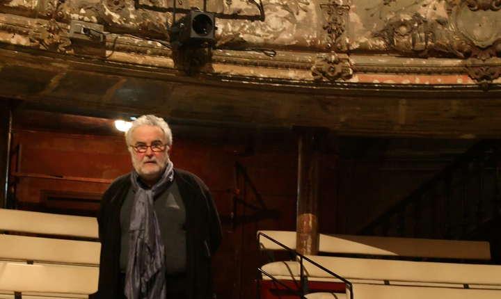 George Banu în sala Teatrului Bouffes-du-Nord creat de Peter Brook la Paris
