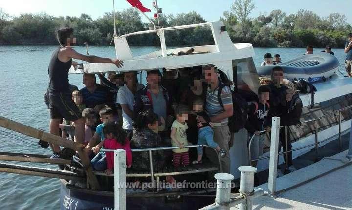 Barcă cu refugiați la Mangalia