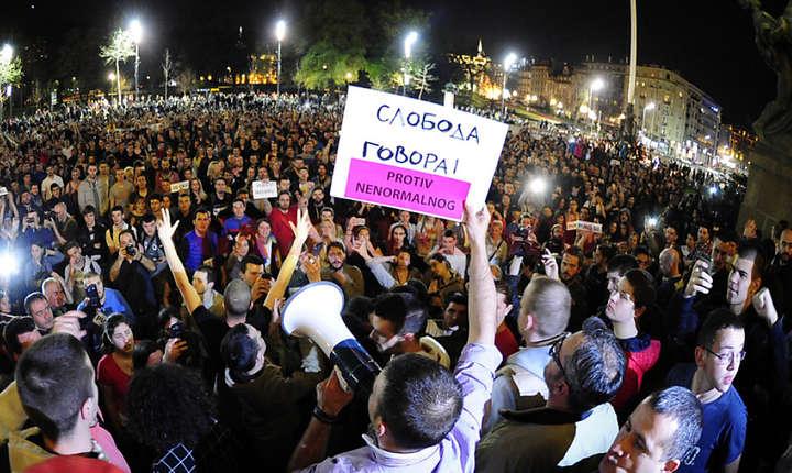 Proteste masive în Belgrad, împotriva victoriei lui Aleksandar Vucic în alegerile prezidenţiale