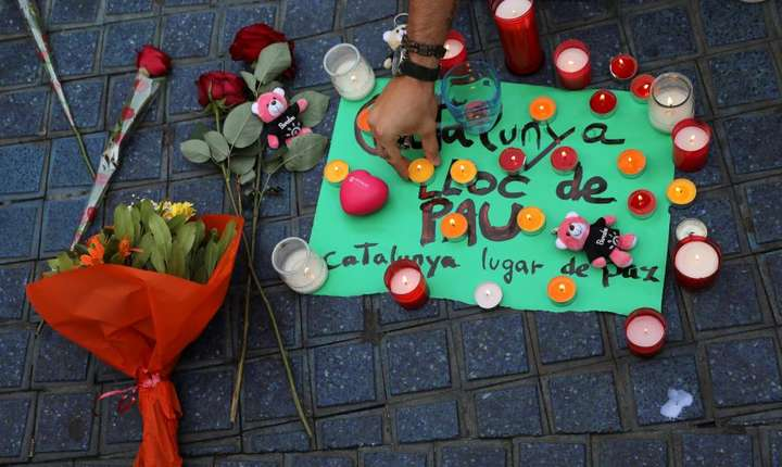 Omagiu adus victimelor atacului terorist de la Barcelona din 17 august 2017 (Foto: Reuters/Sergio Perez)