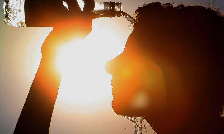 În sudul Olteniei și al Munteniei valorile termice vor urca spre 42-44 de grade