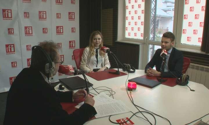 Constantin Rudniţchi, Alexandra Deaconescu și Florin Pantelimon in studioul de emisie al radioului