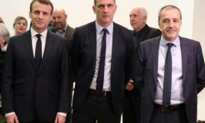 Presedintele Emmanuel Macron împreuna cu liderii nationalisti corsicani Gilles Simeoni si Jean Guy Talamoni, pe 6 februarie 2018 la Ajaccio în Corsica