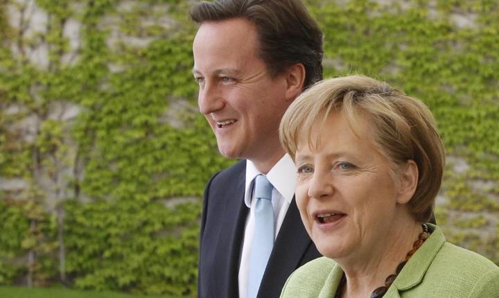 Premierul britanic David Camron si cancelara germanà Angela Merkel