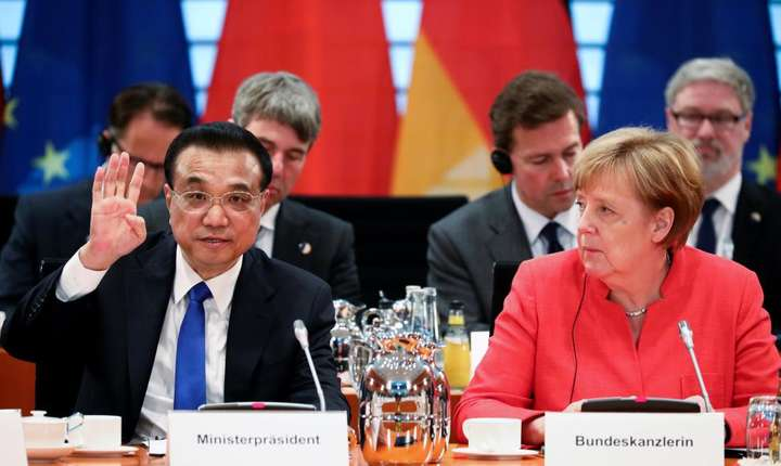 Cancelara germana Angela Merkel si premierul chinez Li Keqiang la Berlin, 9 iulie 2018