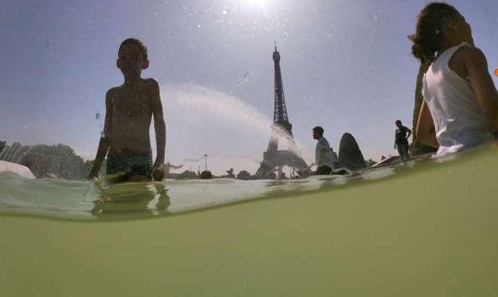 Cu 42,6°C Parisul si-a bàtut recordul absolut de temperaturà