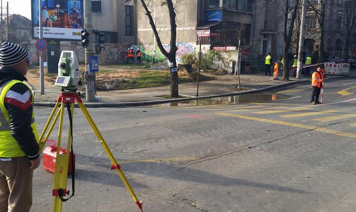 Firma constructoare nu are în acest moment o soluţie pentru a rezolva problema din zona Eroilor