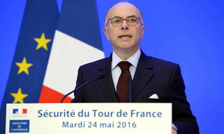 Bernard Cazeneuve, ministrul francez de interne, prezintà pe 24 mai la Paris màsurile de securitate pentru Turul ciclist al Frantei