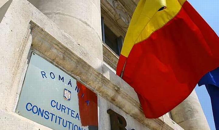 Curtea Constitutionala dezincrimineaza partial abuzul in serviciu