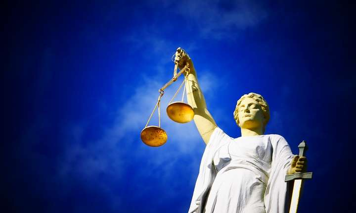 Curtea de Justiţie a UE decide în favoarea cuplului Coman-Hamilton (Sursa foto: pixabay-ilustraţie)