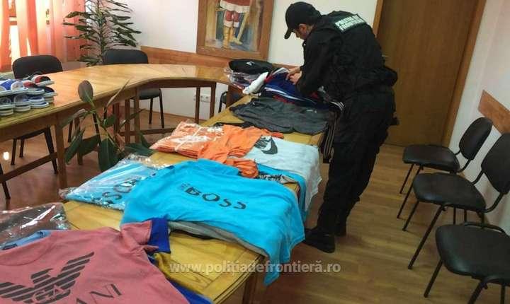 Produse de îmbrăcăminte contrafăcute, confiscate de poliţiştii de frontieră mehedinţeni (Sursa foto: site Poliţia de Frontieră)