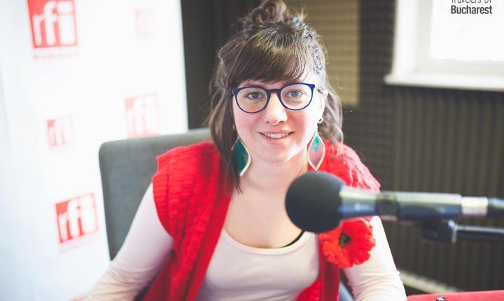 Cécile Vivant, une jeune journaliste canadienne, stagiaire à RFI Roumanie