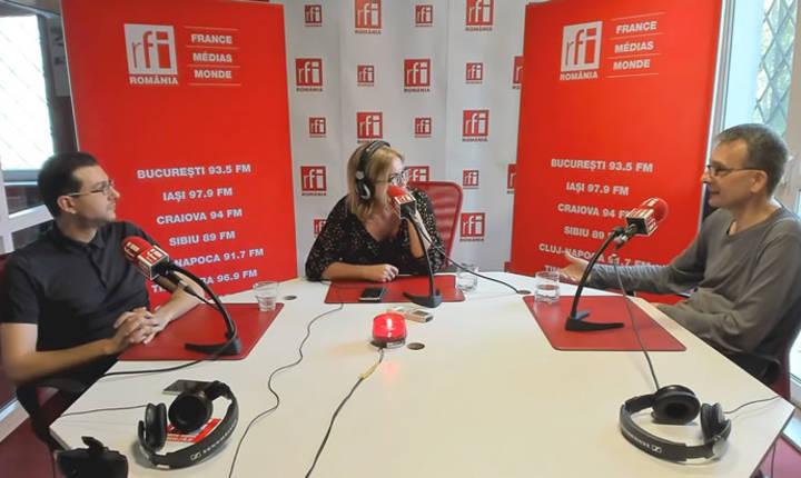 Claudiu Crăciun, Cristina Țopescu şi Sorin Crucerai in studioul de emisie RFI Romania