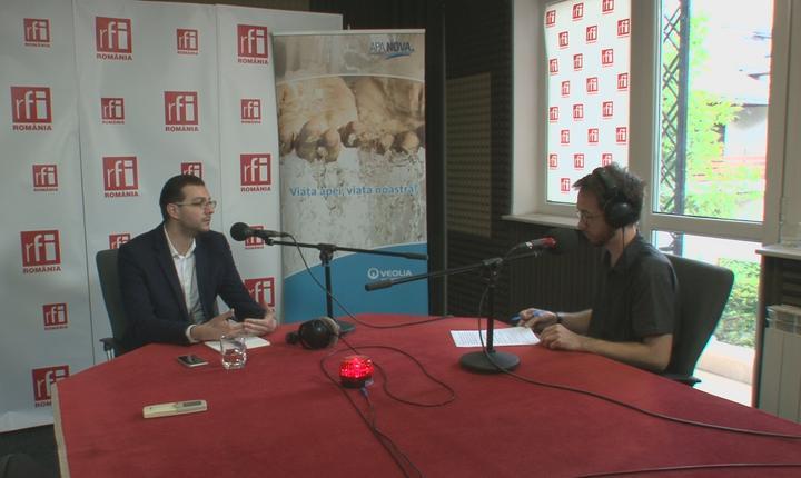 Claudiu Crăciun si Cosmin Ruscior in studioul RFI Romania