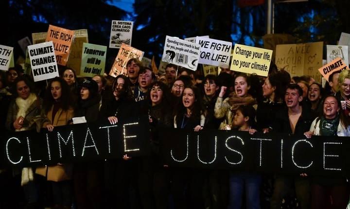 Proteste la Madrid, pe 6 decembrie 2019, împotriva poluării care ameninţă sănătatea planetei.