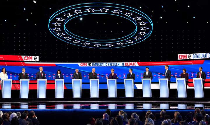 A avut loc, ieri, în arena de sport a universității Otterbein din Westerville, statul Ohio, a patra dezbatere a candidaților Democrați la președinția americană.