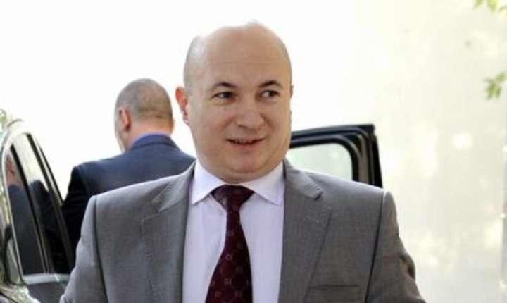 Codrin Ştefănescu îi cere premierului Grindeanu mai multă fermitate faţă de subordonaţii săi (Sursa foto: www.psd.ro)