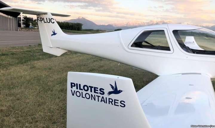 """Avionul Colibri al asociatiei """"Pilotes volontaires"""" cu care vor zbura cei doi piloti francezi în ajutorul migrantilor din Mediteranà"""
