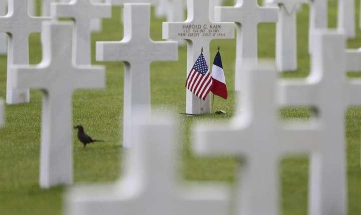 Cimitirul american de la Colleville-sur-Mer din Normandia atrage anual mii de vizitatori