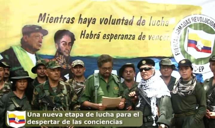 Foştii şefi ai guerillei marxiste, Ivan Marques şi Jesus Santrich, anunţînd reluarea luptelor.