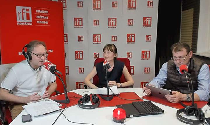 Constantin Rudnitchi, Saniya Melnicenco şi Daniel Apostol in studioul de emisie al RFI Romania