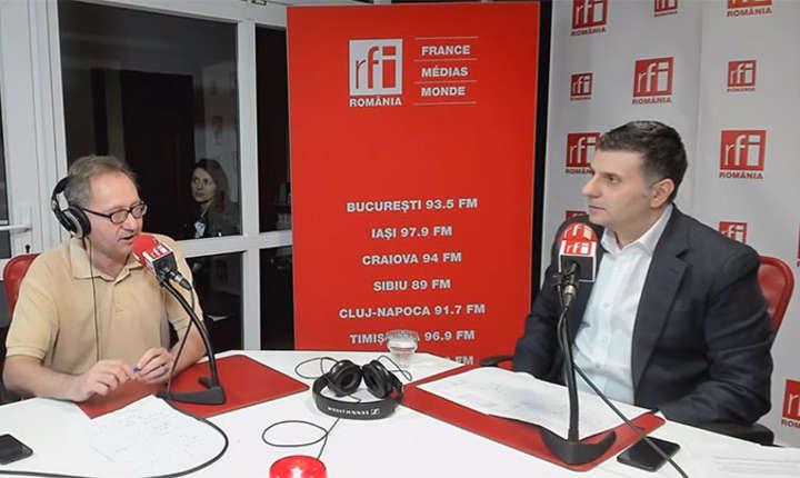 Constantin Rudniţchi si Alexandru Petrescu in studioul RFI Romania