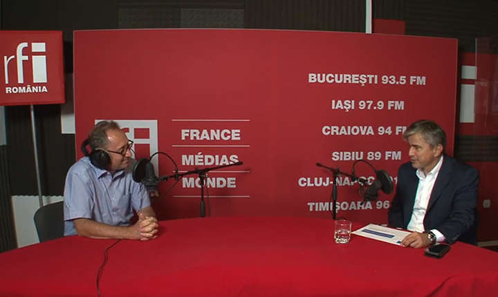 Constantin Rudniţchi și Gabriel Biriş in studioul de inregistrari RFi Romania