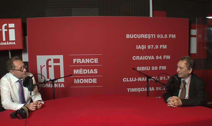 Constantin Rudniţchi si Sorin Dinu in studioul de înregistrări RFI Romania