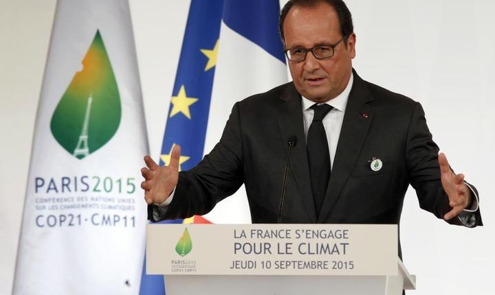 François Hollande, presedintele Frantei, anuntând la Palatul Elysée propunerile Parisului pentru conferinta COP21, 10 septembrie 2015