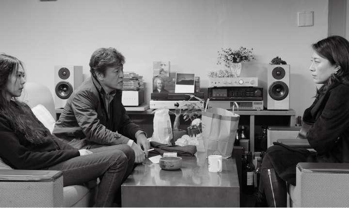 """Scenà din filmul """"Ziua de dupà"""" al coreeanului Hong Sang-soo"""