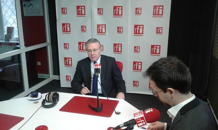 Cristian Diaconescu, în studioul RFI, 14 martie 2017 (Foto: RFI/Şerban Georgescu)