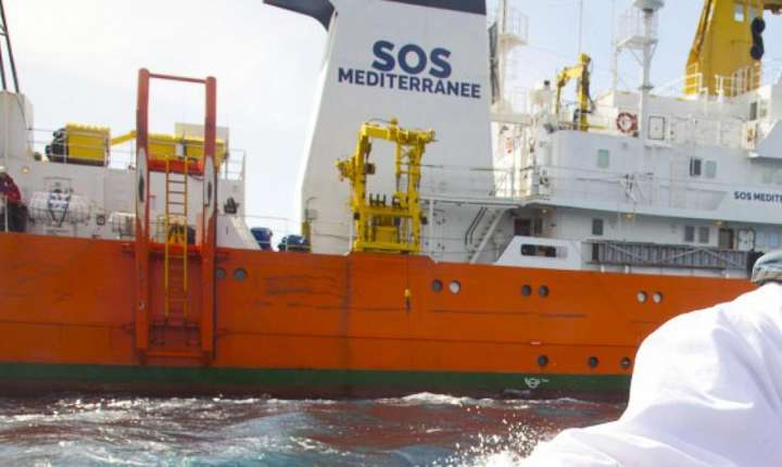 Vasul Aquarius, plin cu migranţi (Sursa foto: sosmediterranee.fr)