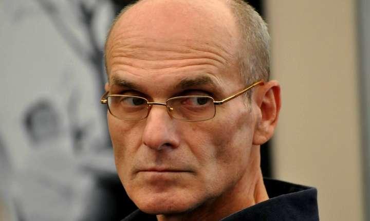 Gazetarul Cristian Tudor Popescu atrage atenția că pe 26 mai votăm pentru sau contra ieșirii României din Europa.