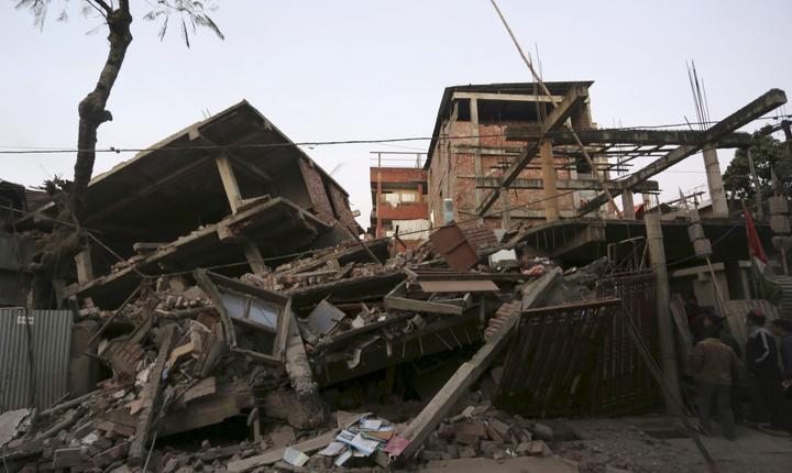 Casă prăbuşită, în urma cutremurului din India (Foto: Reuters)