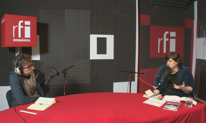 Dan Pârvu si Adina Brădeanu in studioul radio RFI Romania