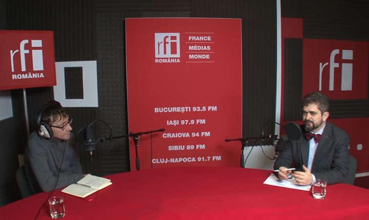 Dan Parvu și Theodor Paleologu in studioul de inregistrari RFI Romania