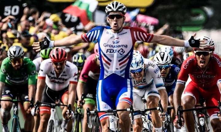 Arnaud Demare câștigă la sprint etapa a 18-a