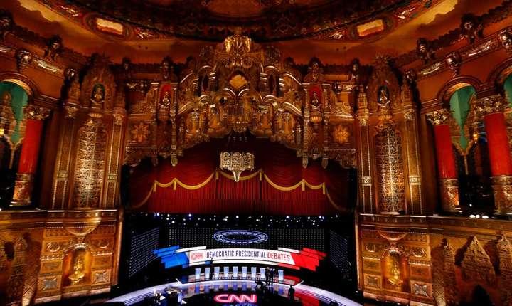 S-a încheiat a doua dezbatere a prezidentiabililor Democrați americani la teatrul Fox din Detroit.