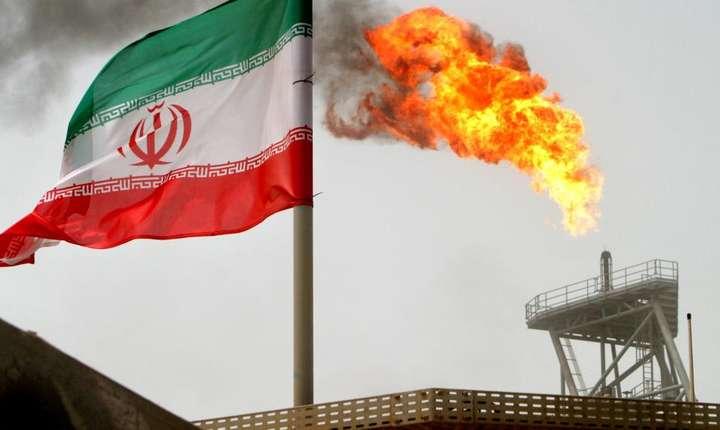 Din luna mai, când presedintele american anunta iesirea din acordul nuclear iranian, exporturile de petrol brut din Iran au tot scazut.